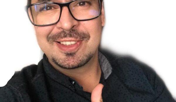 Carlos Lastres